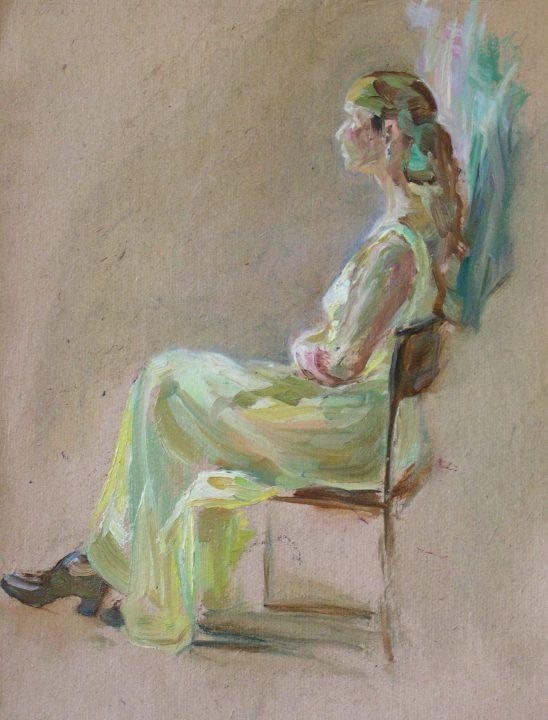 Frau in einem gelben Kleid